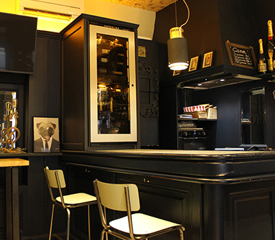 Photo gallery showing an example of a wine cabinet installed at the Big wine bar in Lyon.